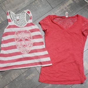 Ladies size 7-9 medium tank and VNeck Lot of 2